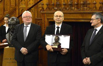 Gábor Dénes-díjat kapott Dr. Weisz Ferenc