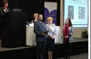 Abonyi-Tóth Andor Sulinetwork-díjat vehetett át a IV. Országos Szaktanácsadói Konferencián