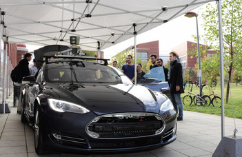 Tehetséggondozás és kutatói utánpótlás fejlesztése autonóm járműirányítási technológiák területén – Interdiszciplináris informatika